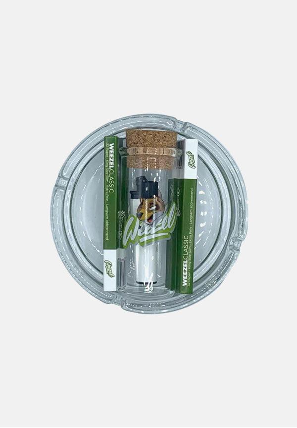 Kiffer Geschenkset bestehend aus 2x Longpaper mit Tips, Weezel-clipper, Glas-Aschenbecher Weezel Logo und Aufbewahrungsglas von oben