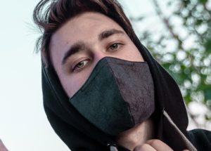 modische stoffmaske-alltagsmaske schwarz midnight writer Model-2
