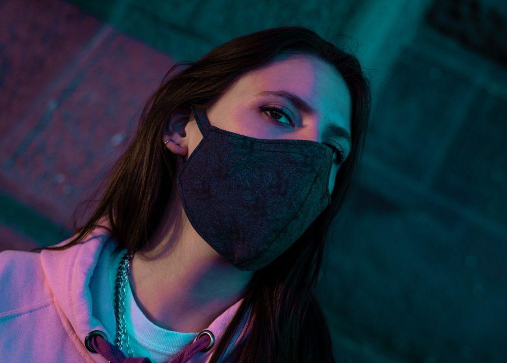 modische stoffmaske-alltagsmaske schwarz midnight writer Model-1